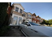 Spacious 2 bedroom Flat located on Courtland Avenue in Ilford, Essex