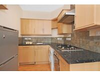 A well-proportioned two bedroom conversion flat to rent - Merton Road SW18