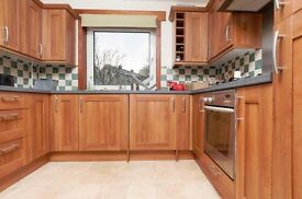 Delightful 2 bedroom 1st floor property in Blackford available December – NO FEES!