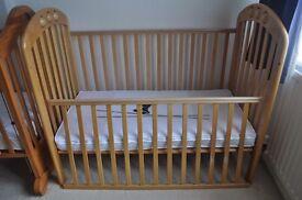 Dropside Mamas&Papas Amelia Cot bed