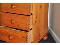 Pine bedside drawers / cabinet (3 drawer)