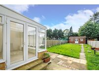 A spacious three bedroom house available to rent in Kingston. Park Road.