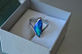 BEAUTIFUL RING - Australian Opal ring in White Gold*****OFFERS WELCOME