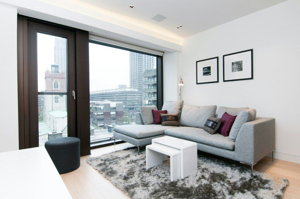 # Beautiful 1 bed available now walking distance to Barbican and Moorgate underground station!!
