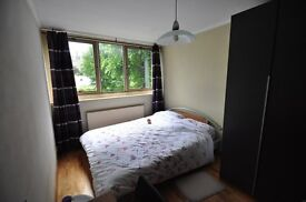 DOUBLE ROOM NEAR OLD STREET AND LIVERPOOL ST