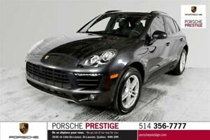 2017 Porsche Macan base Pre-owned vehicle 2017 Porsche Macan &nb