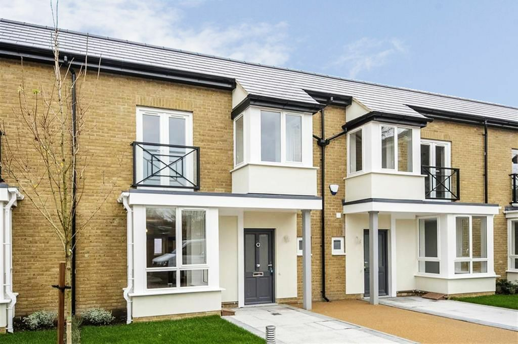 STUNNING TWO BEDROOM PROPERTY IN A NEWLY BUILD GATED DEVELOPMENT!! NOT TO BE MISSED!!