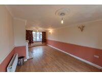 NICE 5 BEDROOM HOUSE AVAILABLE TO RENT IN BARKING - PARTS DSS - £1875