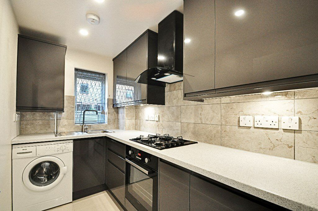 Amazing Studio apartment with Garden seconds from King Street Only £1300pm