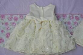 """""""Cinderella"""" Baby Girls Cream/Ivory Party Dress 6 Months NEVER WORN. BARGAIN"""