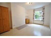 2 DOUBLE BED FLAT VIEW IT FIRST BOOK A VIEWING NOW!!!
