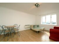 A bright two bedroom fourth floor apartment to rent in Kingston. P147954
