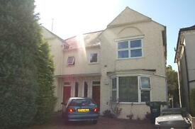 2 bedroom flat in The Grove, London