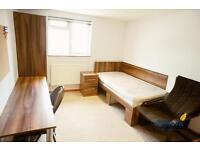 Studio flat in 100 Park Street, Town