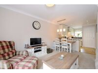 Riverdale Drive - A two bedroom property to rent in Earlsfield