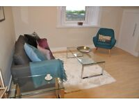 3 bedroom flat in 1/2 Shandon Crescent Edinburgh