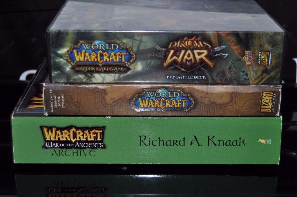 World of Warcraft Game, Book, and Trading Card set in great condition. Collect or Post.