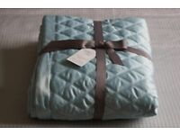 *** M&S Duck Egg Diamond Quilted Throw/Bed Cover 150cm x 200cm ***