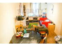 A Beautiful 3 double bed victorian conversion 2 Minutes walk to Vauxhall station,Available 20th July