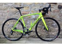 COST £3300. 2017 SPECIALIZED TARMAC EXPERT DISC CARBON ROAD BIKE. ULTEGRA. TOTALLY MINT CONDITION