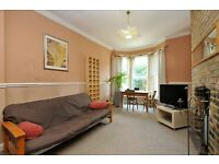 Tabley Road, two bed flat, great location, SIX MONTH TENANCY NW