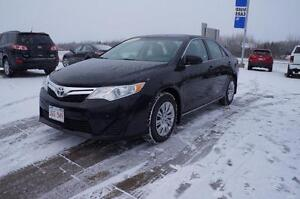 2014 Toyota Camry Only 49k! Bluetooth! Back-Up Cam! Cruise Contr