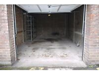 LARGE GARAGE AVAILABLE TO RENT IN MAIDA VALE FOR ONLY £400 PER MONTH