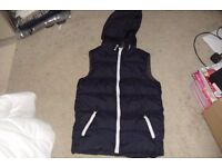 AGE 10/11 YEARS NAVY BLUE PADDED GILLET ZIP UP THE FRONT WITH ZIPPED POCKETS