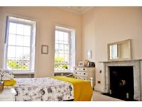 TO LET: Stunning and spacious 2-bed flat by Royal Crescent