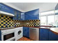 ***Stoke Newington Church Street, one bed flat, 2nd floor converted flat in an A1 location***