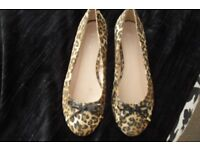 SIZE 8 BRAND NEW PAIR OF ANIMAL PRINT SLIP ON FLAT SHOES