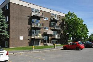 404-90 rue Front, 649$