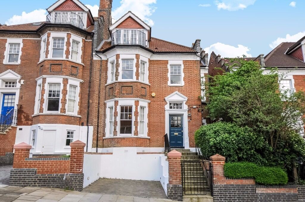 A stunning Edwardian six bedroom home to rent arranged over three floors including 120 ft garden