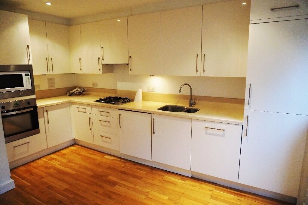 3 Double Bedroom Detached House, Crouch End, N8 - £550 per week