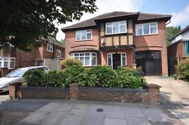 WE have a few double bedroom in a big share house , COME AND HAVE A LOOK ( HENDON CENTRAL)