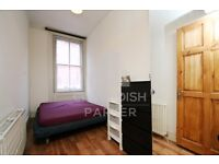 SPACIOUS 3 BED FLAT- SECONDS TO OLD ST STN/CITY ROAD- INCREDIBLE LOCATION- GOOD SIZE ROOMS