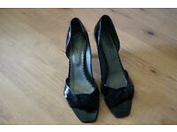 Black leather shoes size 6,5
