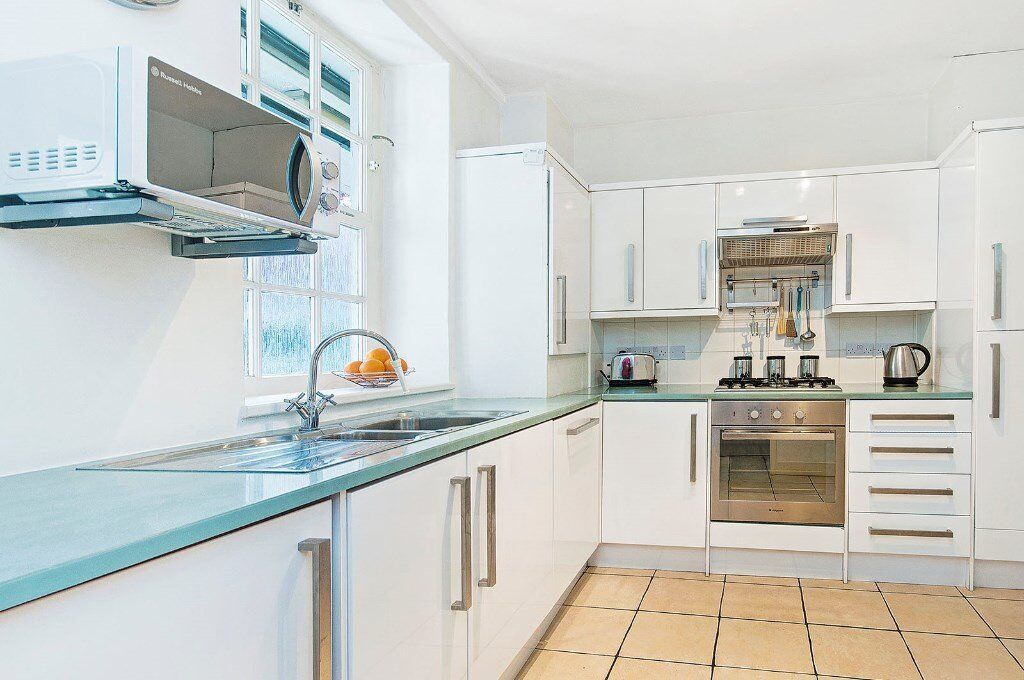 SPACIOUS AND MODERN ONE BED PROPERTY - WOODEN FLOOR - AVAILABLE NOW - £360PW - PIMLICO WESTMINSTER