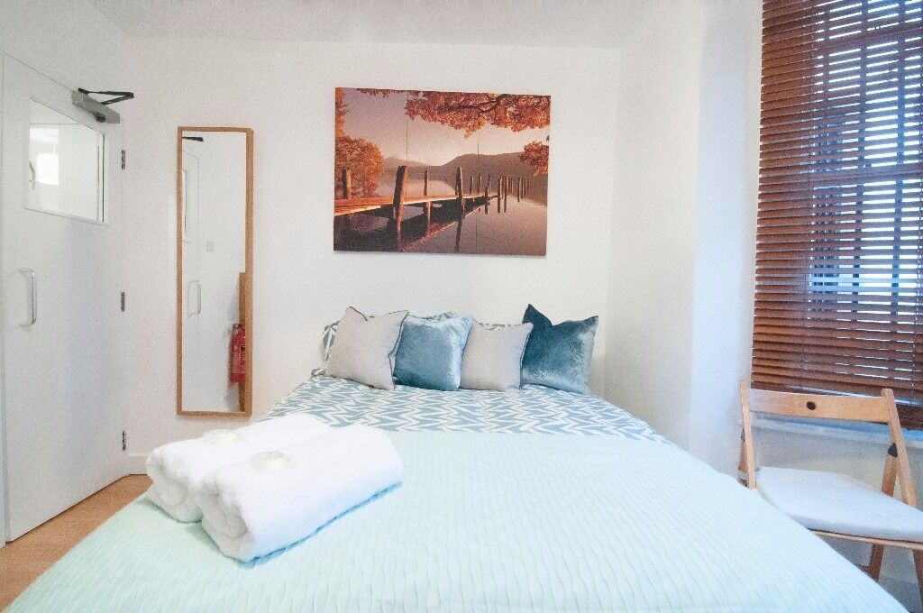 -An amazing studio flat with a patio in West Kensington
