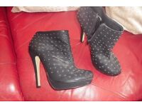 """SIZE 7 PAIR BLACK 5"""" HEEL SHOE BOOTS WITH GOLD STUDS ON GREAT BOOTS"""