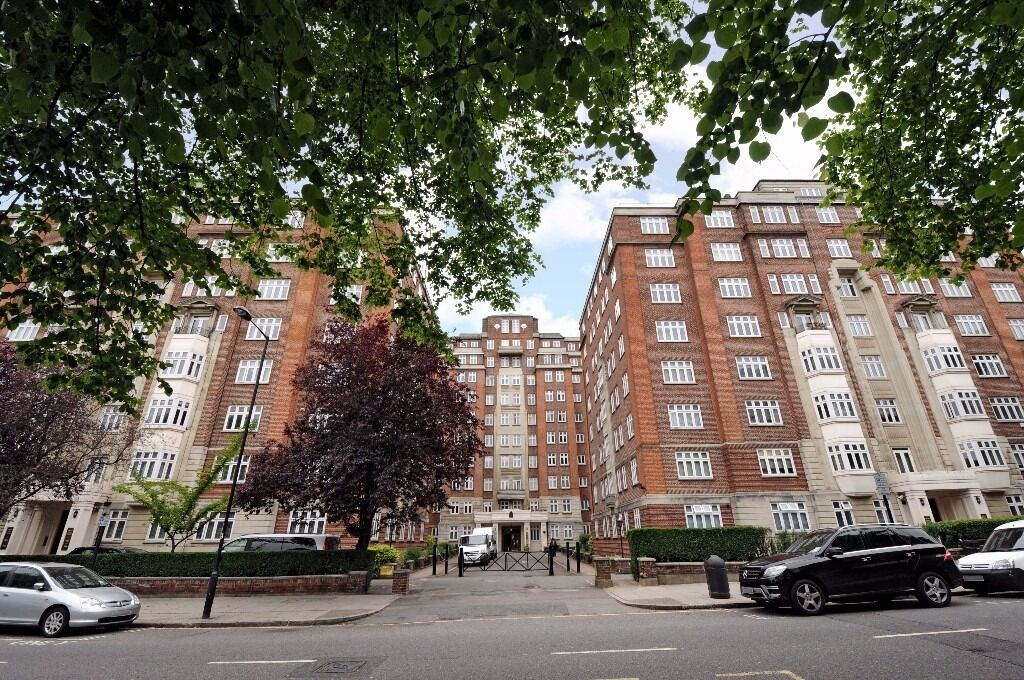**Recently refurbished, lower ground floor studio apartment in a secure building £315pw/£1365pcm**
