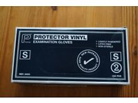 *** Box of 100 vinyl protective gloves ***