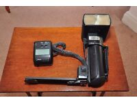 Metz 70mz-5 hammer head flash unit with all brackets and chargers
