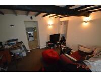 1 bedroom house in Rickard Street , Treforest ,