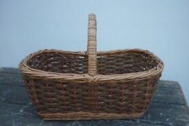 Wicker Bundle - Large Handled Wicker Basket and Round Fruit Bowl
