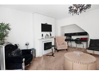 *LARGE 3 BEDROOM / 2 BATHROOM - APARTEMENT TO RENT!!*