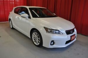 2013 Lexus CT 200h Hybrid with Leather, Sunroof and Auto Trans!