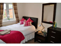 *NO AGENCY FEES TO TENANTS* Beautiful double room available in friendly, professional house