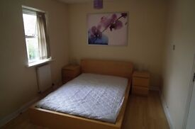 Fully furnished room to let, near Docks, all bills included