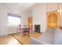 Wonderful top floor two double bedroom, two bathroom, period conversion flat to rent £570pw/£2470pcm